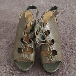 Green Fergie heels